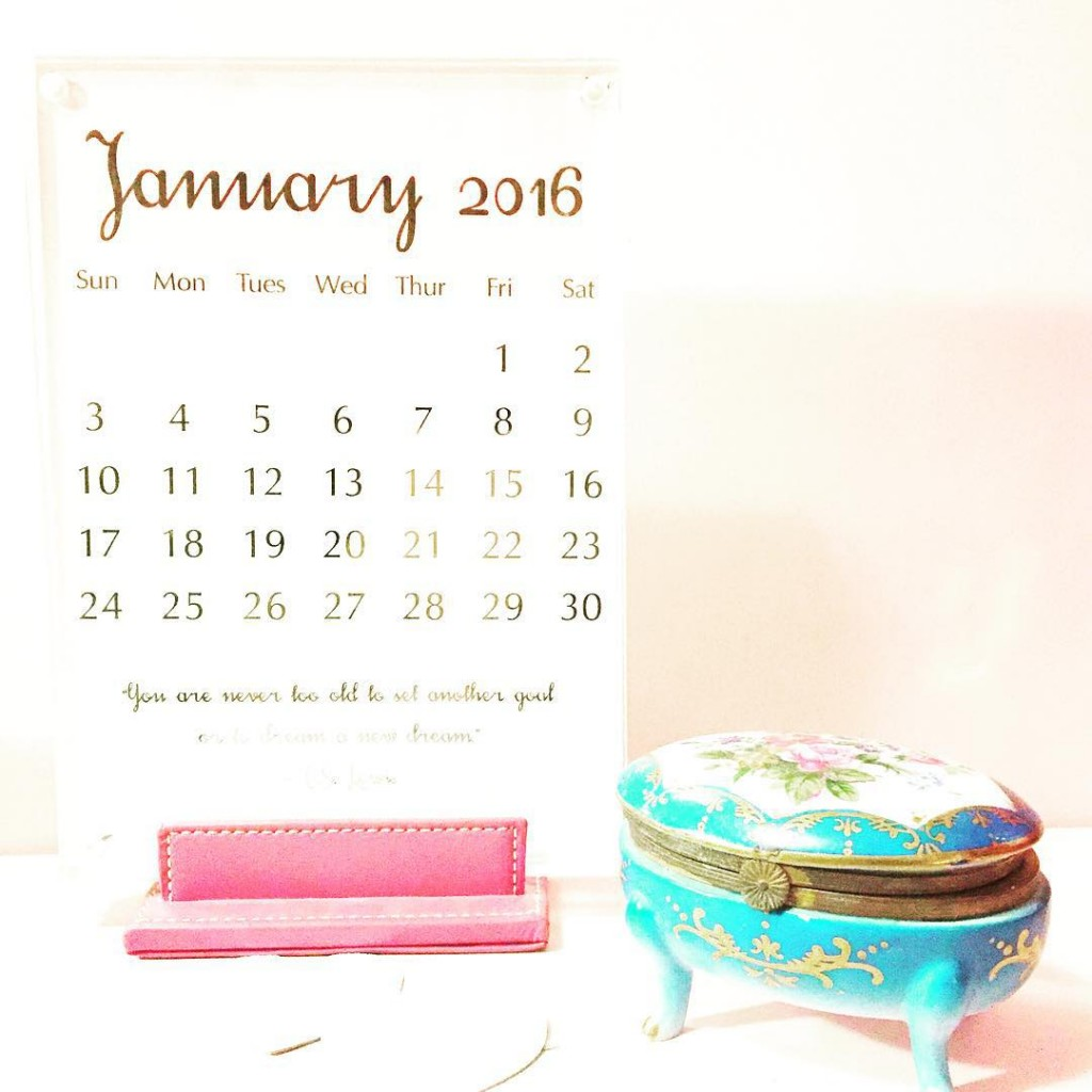 Night 8 of #HowToGetAwayWithCrafting is all about getting ready for 2016! Can you believe it'll be a new year in 3 weeks? Wow! So I decided to whip up a new desk calendar. Inspired by the @erincondren desk calendar, I repurposed an OLD @coach picture frame, used some @thermoweb #icraftdecofoil, my @heidiswapp foil applicator and WHAM - I have a pretty calendar for the next year. Will post a tutorial on the blog tomorrow. Let me know what you think, please. #htgawcrafting #pinkimono #diy #planneraddict #savingmoney #readyfor2016 #MINC #foil #mommyhustle #blogger #crafty #craftblogger #mommyblogger