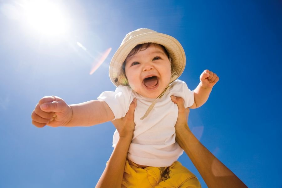"""Pinkimono Girl's Tips On Little Kid Exercise - Take Your baby """"Flying"""""""