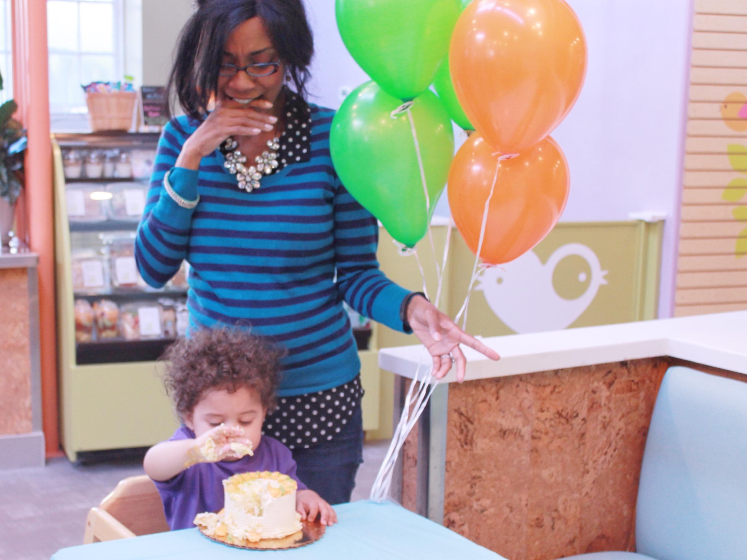 Splurge - Mommy Not Enjoying the Smash Cake