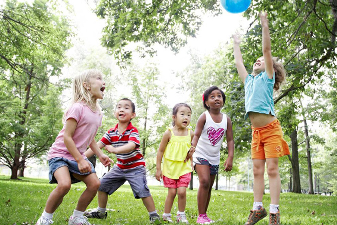 benefits of kids playing outdoors Martha erickson, phd, always believed that her frequent nature outings with her children, and her encouragement of their independent play and exploration outdoors, helped them mature into well-rounded adults.