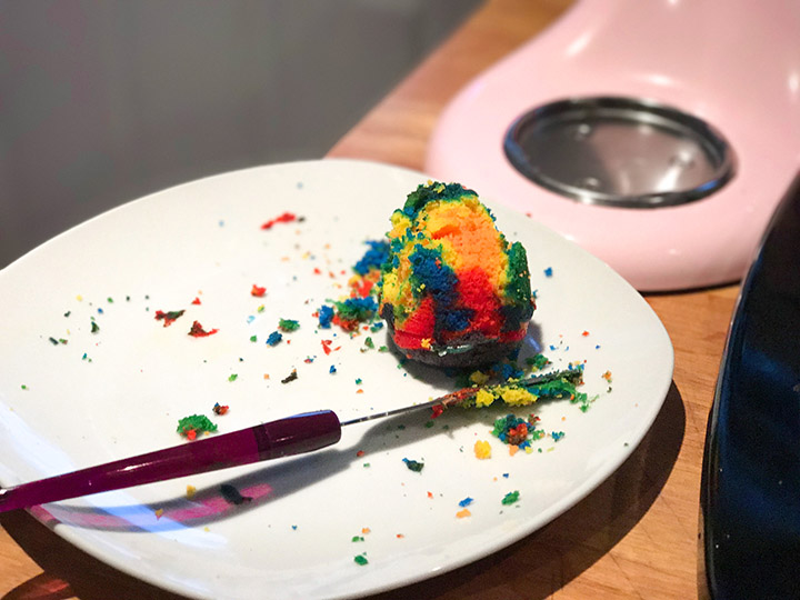 Cooking with Toddlers is fun and educational with Duff Tie-Dye Premium Cake Mix.