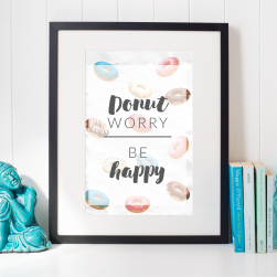 Free Printable Donut Worry Be Happy from @pinkimonogirl for a gallery wall