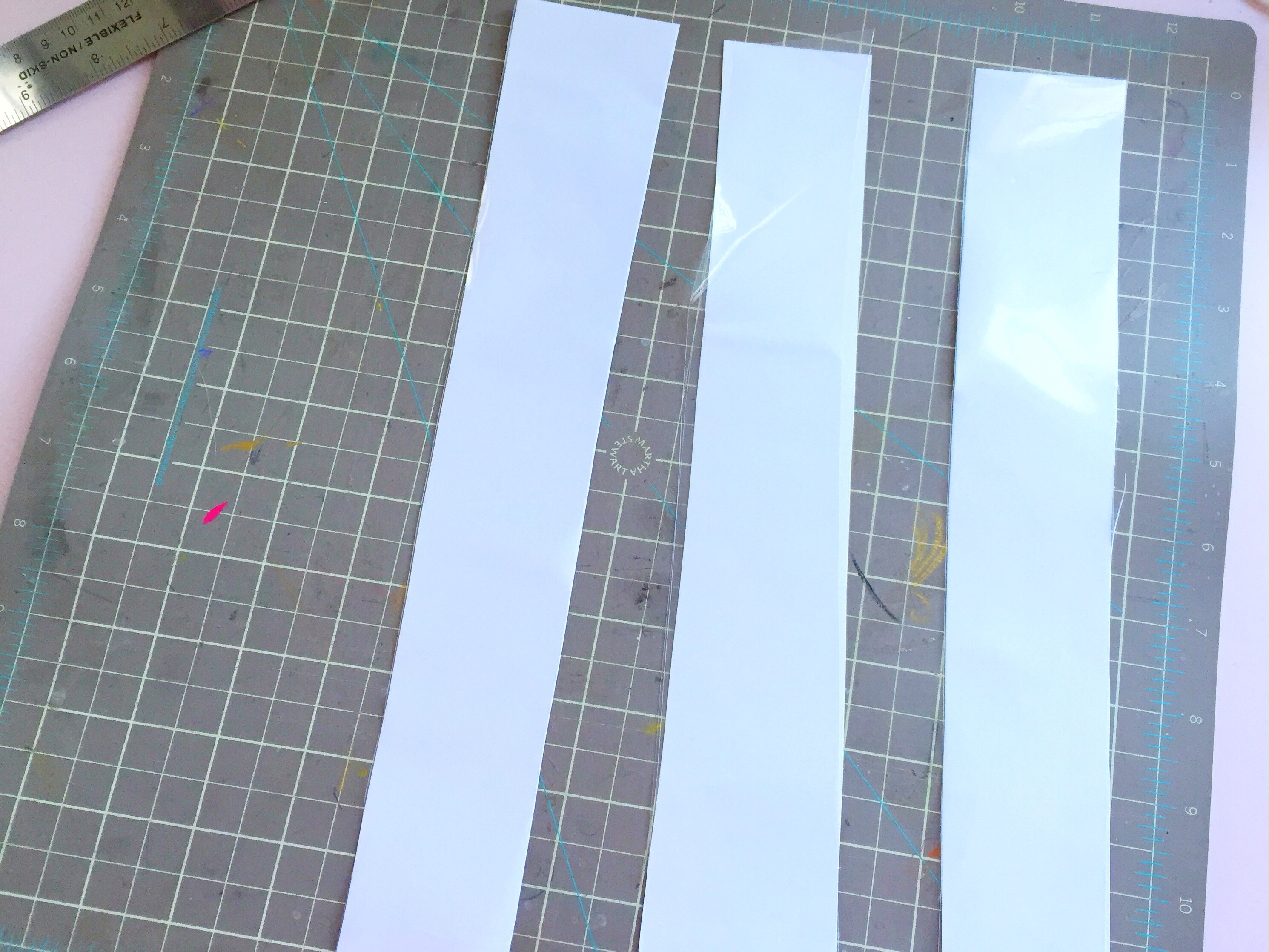 Pinkimono htgawc DIY Shaker Bookmarks - Step 2